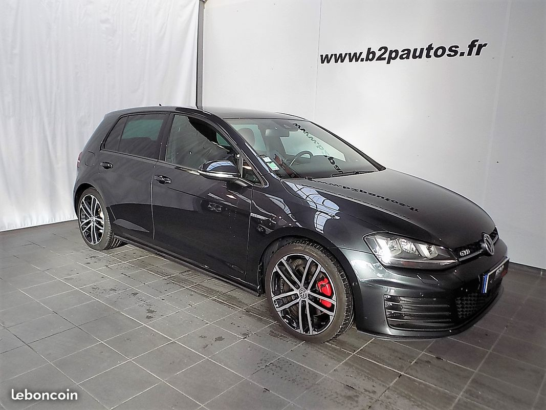 photo vehicule vendu - Volkswagen golf vii gtd 184 cv sport & sound cuir
