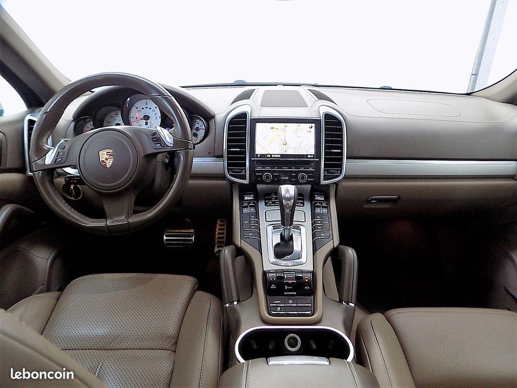 photo secondaire Porsche cayenne 4.2 v8 382 cv sport design gts porsche