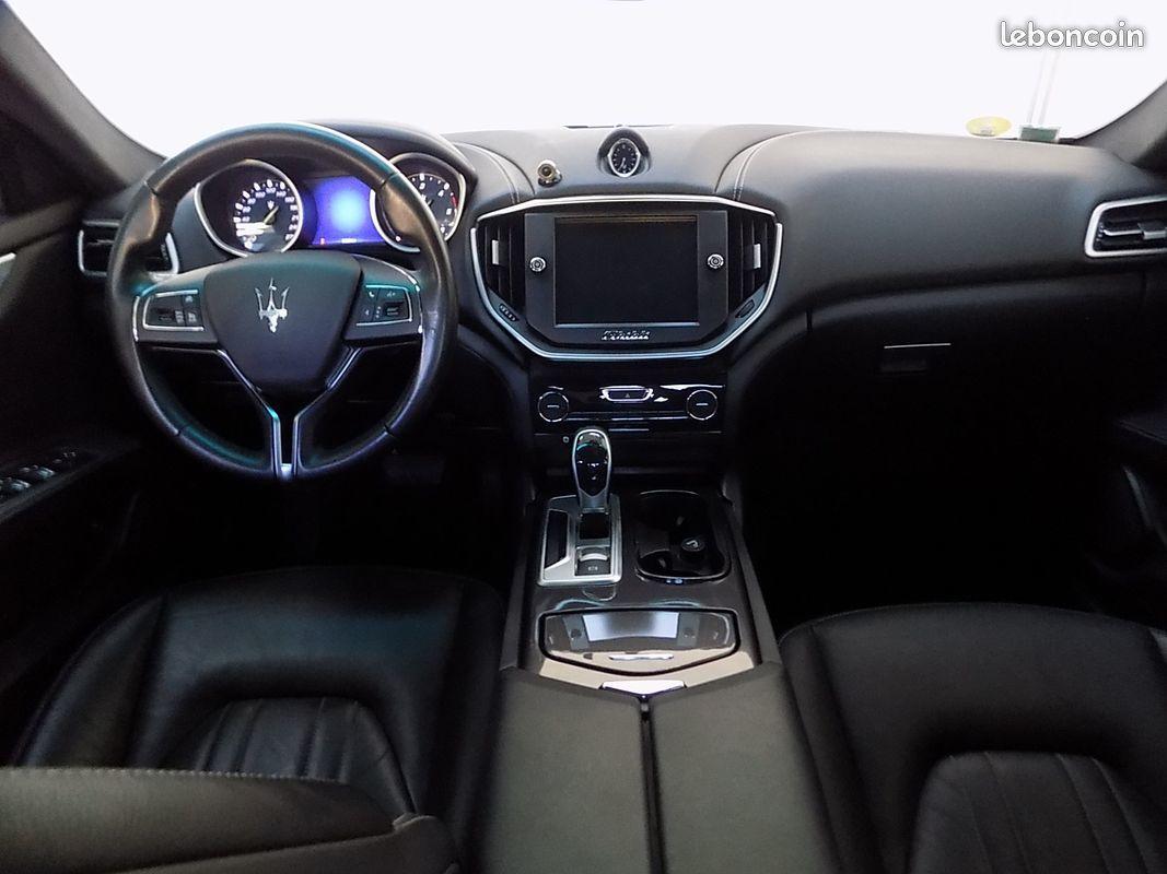 photo secondaire Maserati ghibli 3.0 v6 275 cv maserati