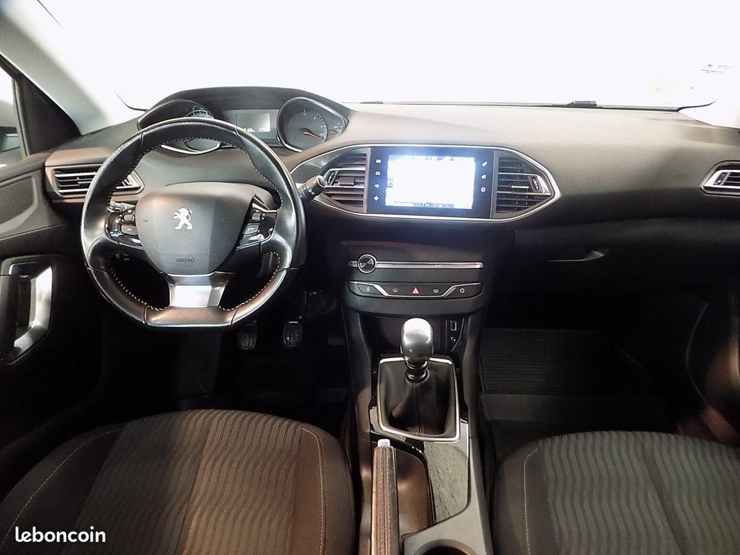 photo secondaire Peugeot 308 1.6 l hdi 120 cv 5 portes places peugeot