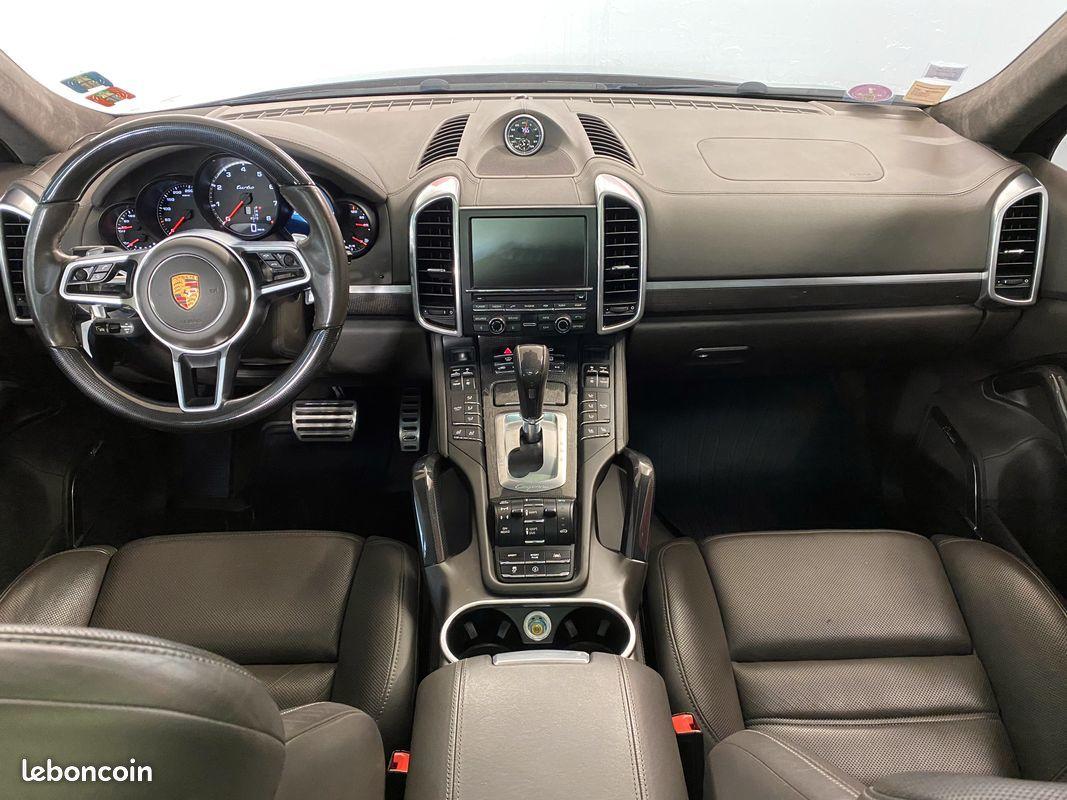photo secondaire Porsche cayenne v8 4.8 l 520 cv turbo porsche