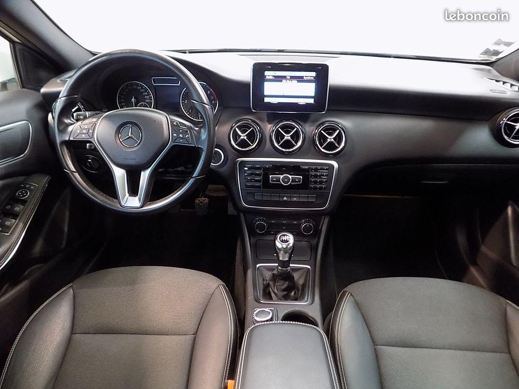 photo secondaire Mercedes classe a 180 cdi toit ouvrant jantes amg mercedes
