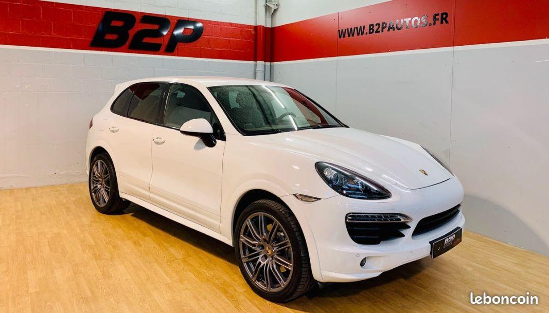 photo principale produit voiture Porsche cayenne 4.2 v8 382 cv sport design gts