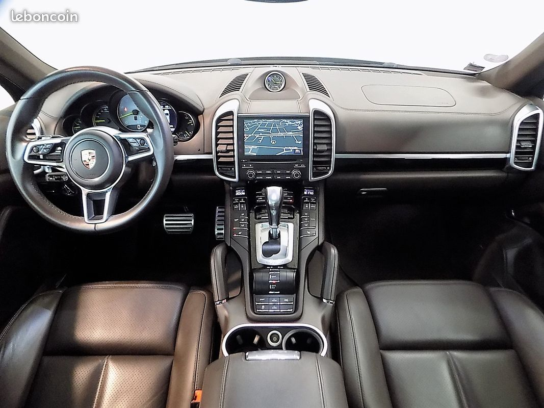 photo secondaire Porsche cayenne s platinum edition e-hybrid 416 cv porsche