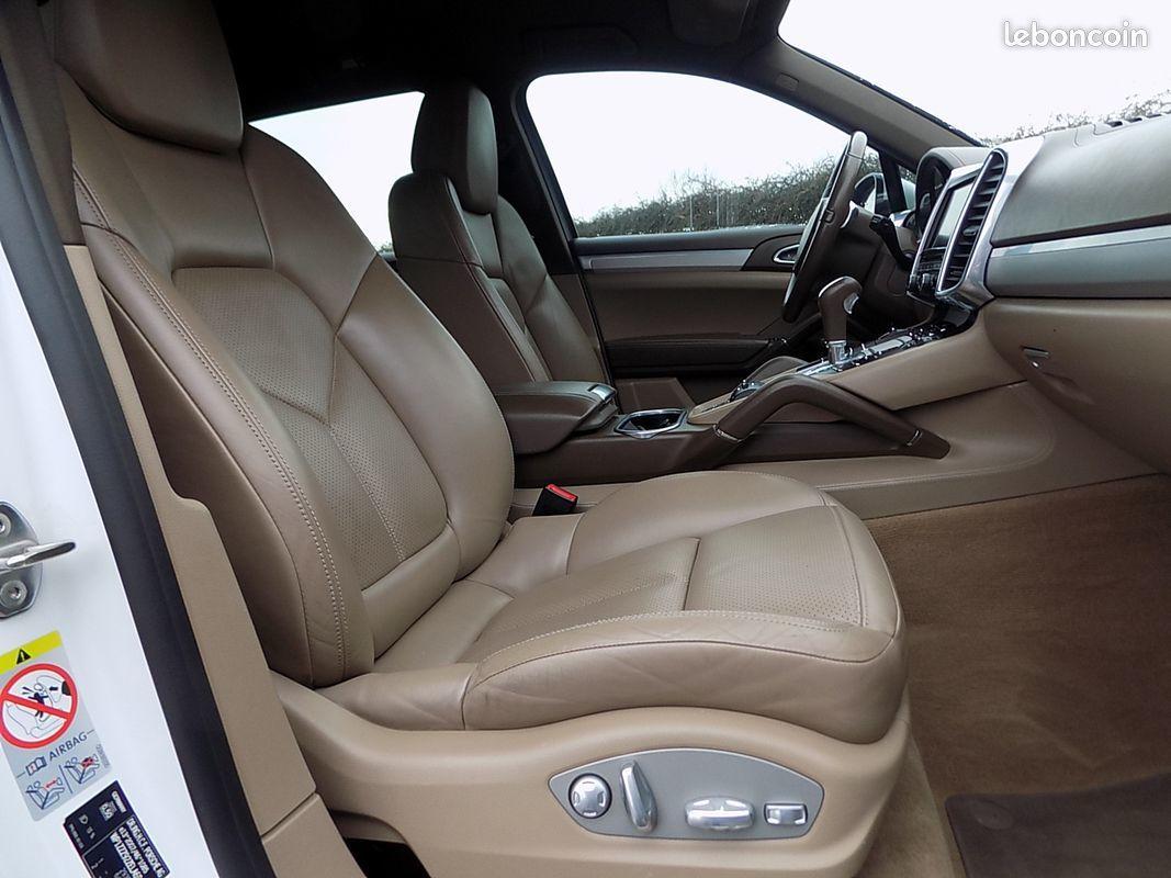 photo secondaire Porsche Cayenne 4.2 v8 382 cv sport design gts a