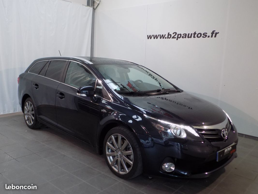 photo vehicule vendu - Toyota avensis sw 150 d-cat lounge bva skyview