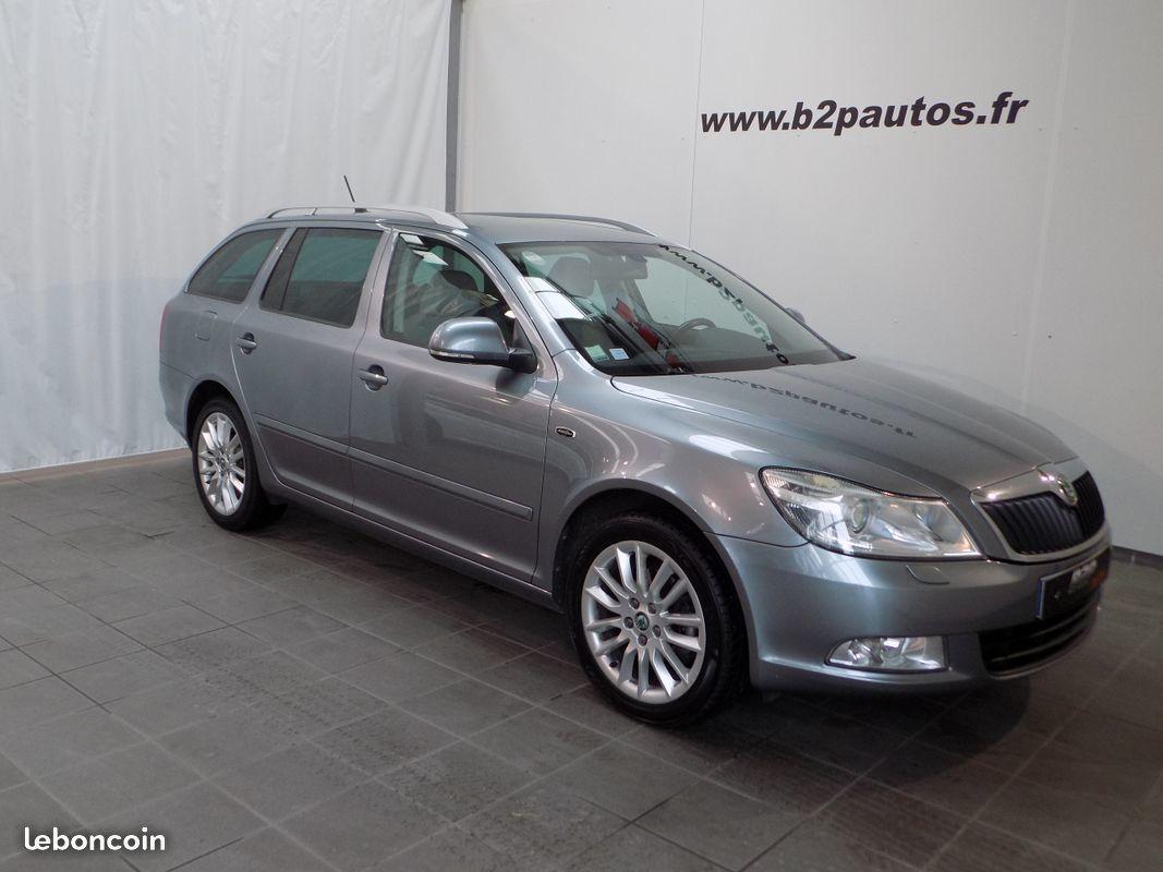 photo vehicule vendu - Skoda octavia break 2.0 tdi 140cv laurin & klement